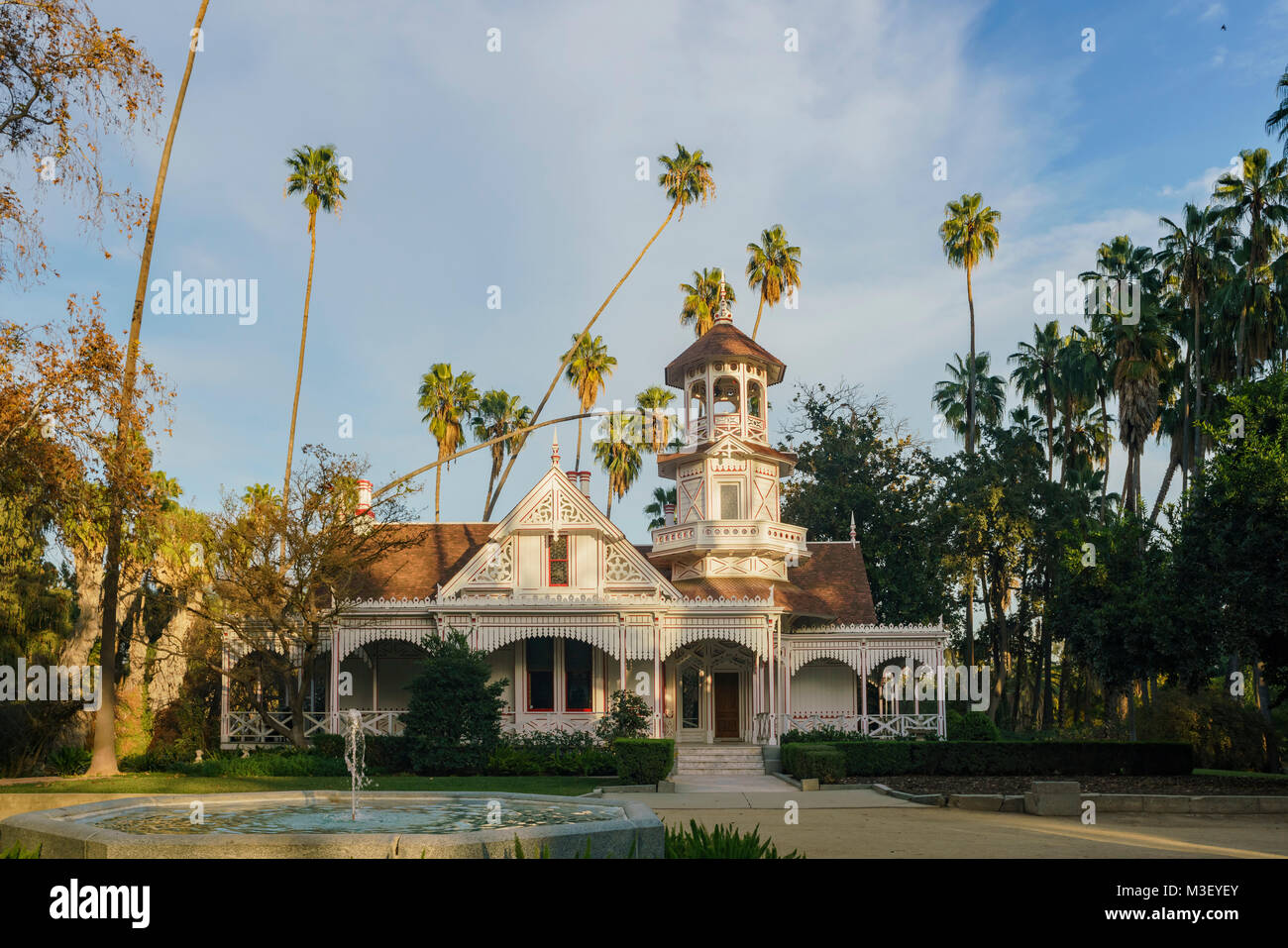 The beautiful Queen Anne Cottage at Los Angeles County Arboretum & Botanic… Stock Photo