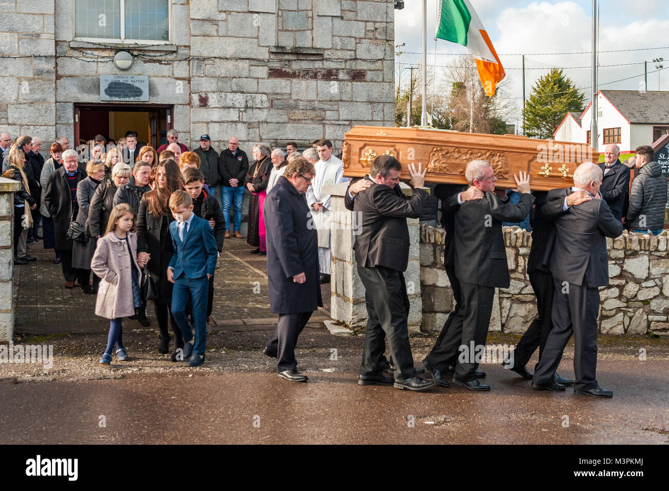 ovens-ireland-12th-feb-2018-the-funeral-of-footballer-liam-miller-M3PKMJ.jpg