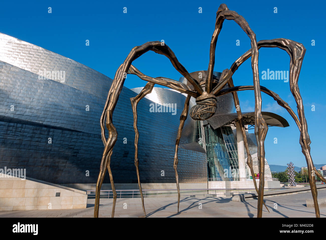 Giant spider scilpture.Artist:Louise Borgeois (1911-2010).Title:Maman (mother).Guggenheim Museum.Bilbao.Spain - Stock Image