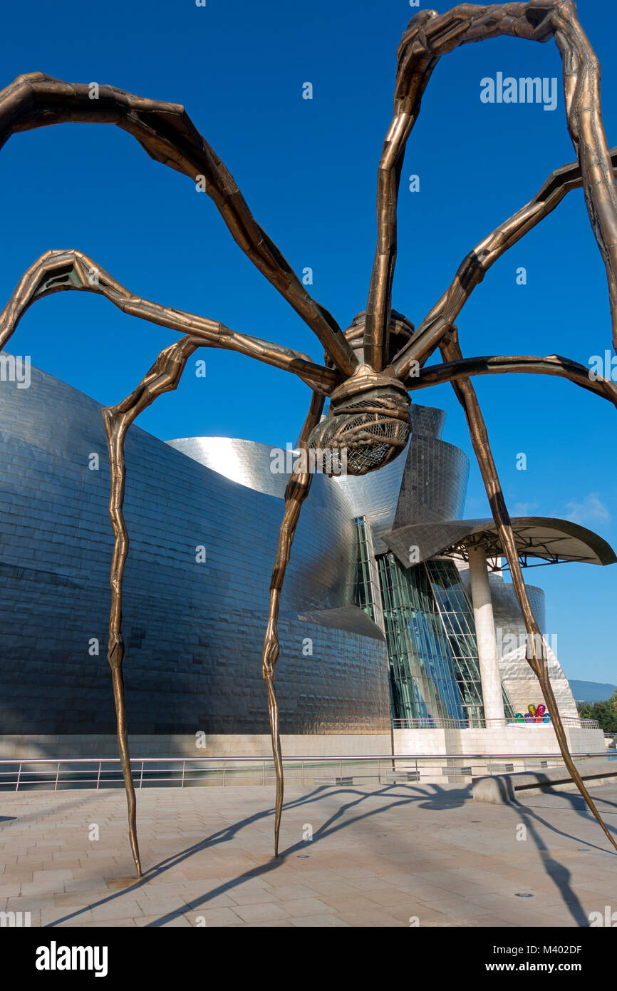 Giant spider sculpture.Title:Maman (mother).Artitst: Louise Borgeois (1911-2010).Guggenheim Museum.Bilbao.Spain - Stock Image