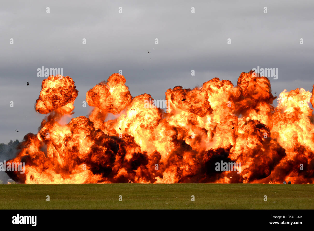 wall-of-fire-pyrotechnics-explosion-flames-flame-eruption-space-for-M40BAR.jpg