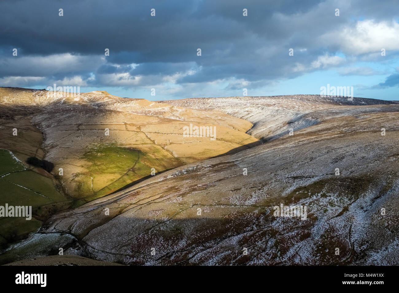 Looking from South Head towards the Swine's Back, Edale Cross and Brown Knoll. Kinder Scout, Peak District National - Stock Image