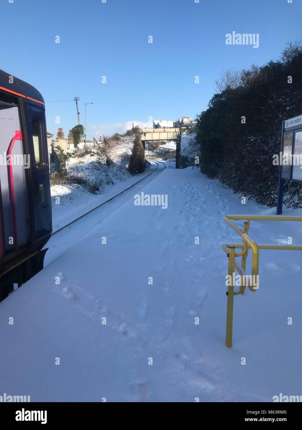 Cornwall, UK. 28th February, 2018. Snow storm hits Carbis Bay, Cornwall. Credit: Kara Bell/Alamy Live News - Stock Image