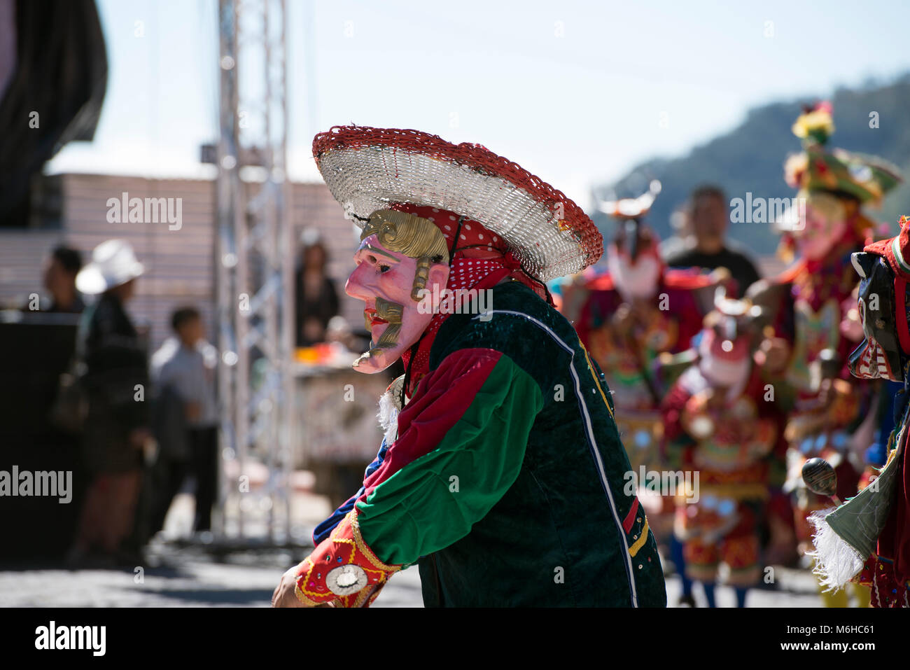 A Mayan man dressed as a conquistador at an ancient Mayan ritual at the 2013 Rukux festival in Sololá, Guatemala. - Stock Image
