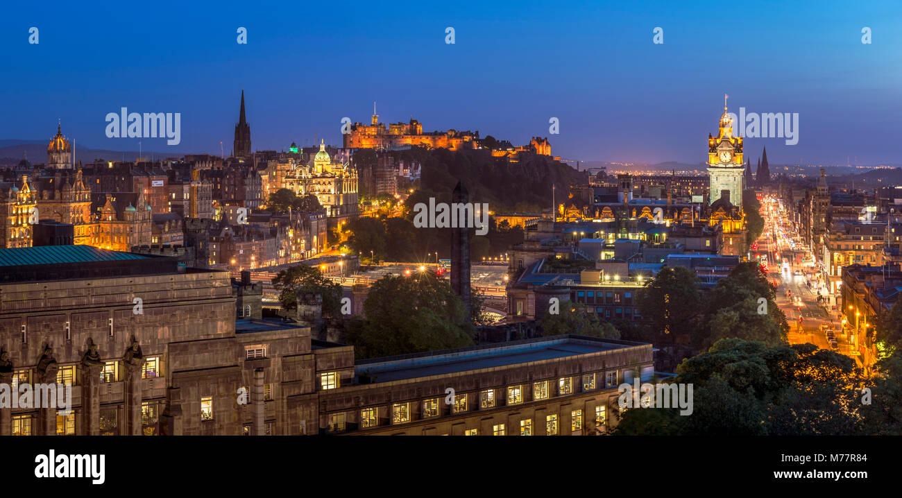 City centre panorama, Edinburgh castle and city skyline at night, Edinburgh, Midlothian, Scotland, United Kingdom, - Stock Image
