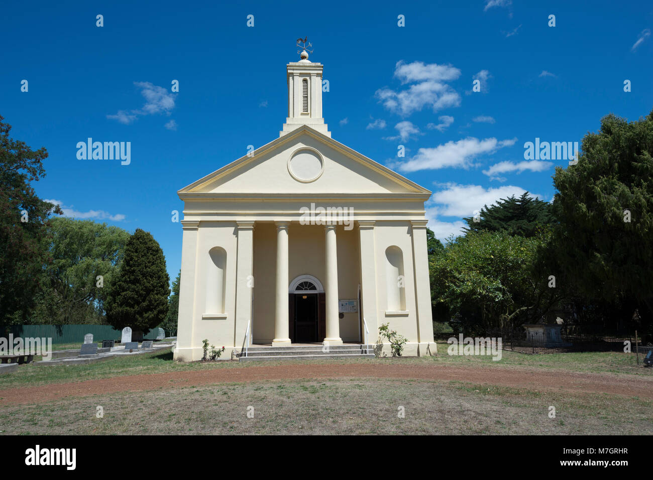 St Andrew's Uniting Church in Evandale, Tasmania, Australia. Built in 1839-40, it is a fine example of Greek - Stock Image