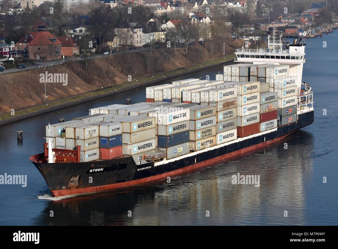 Feedervessel Steen westbound in the Kiel Canal off Kiel Holtenau - Stock Image