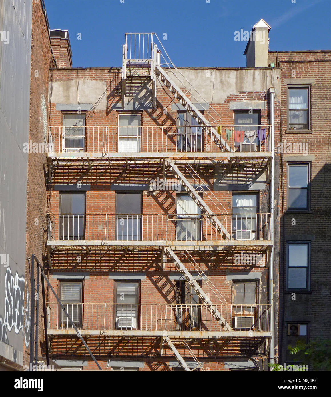 old tenement building nyc stock photos old tenement building nyc stock images alamy. Black Bedroom Furniture Sets. Home Design Ideas