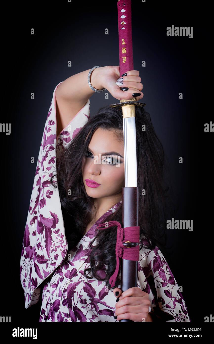beautiful japanese girl in kimono stock photo: 177708082 - alamy