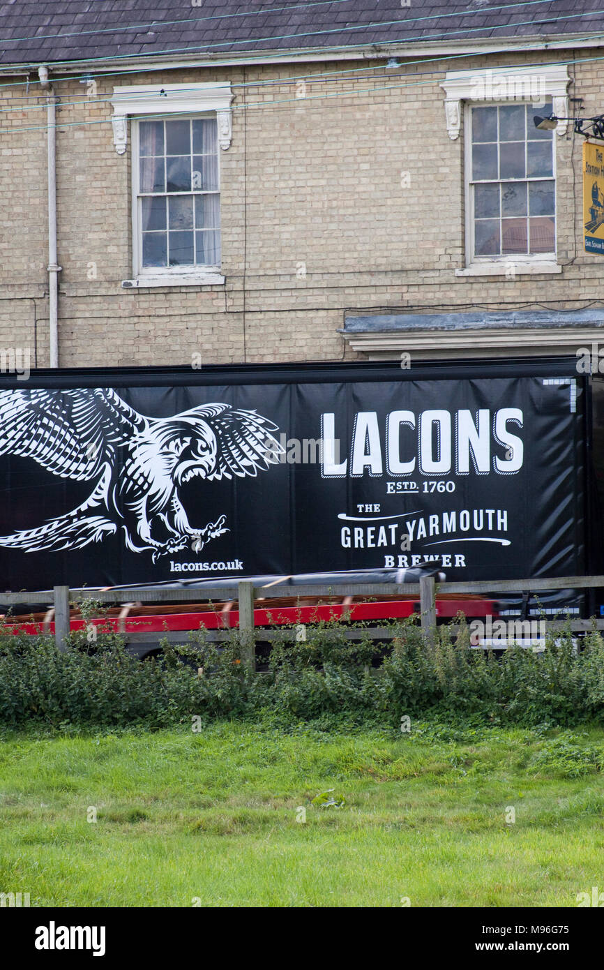 Side curtain lorry as a dray for the Lacons brewery - Stock Image