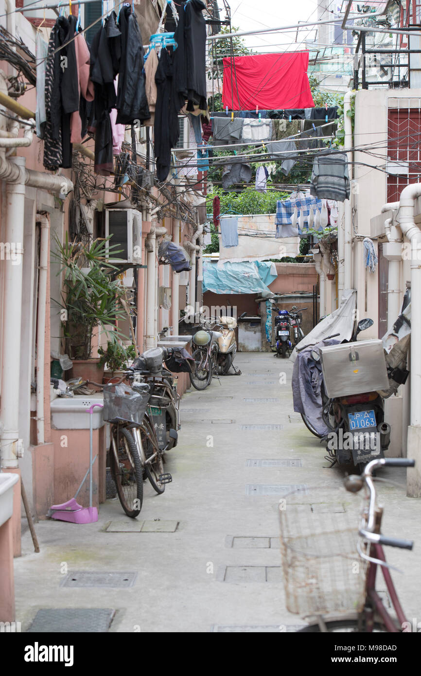 Suburban alley in Shanghai, China - Stock Image