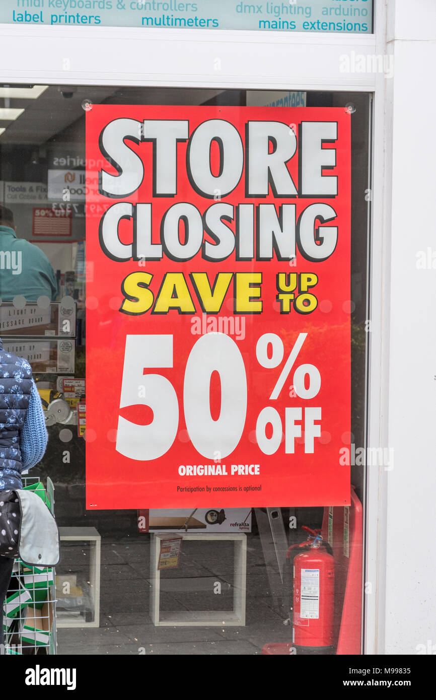 Poster in Maplin store in Plymouth, Devon, after it announced the retailer was shutting all its stores. Metaphor for struggling high street retailers. - Stock Image
