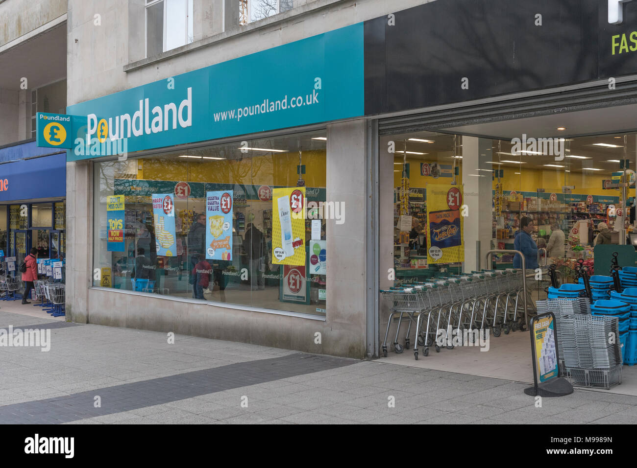 Front of Poundland ship in Plymouth, Devon. Metaphor for discount retailers. - Stock Image