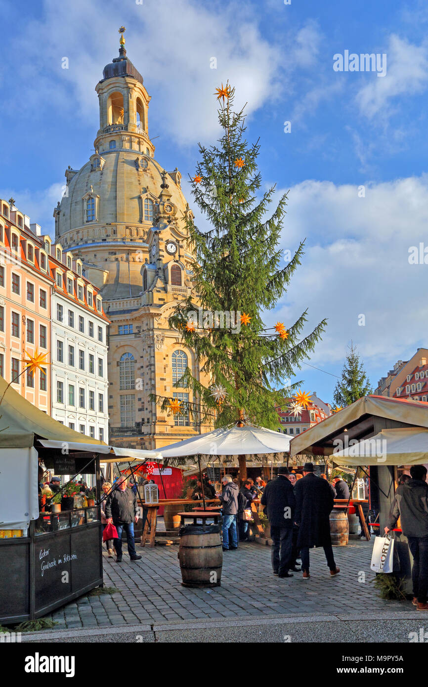 Christmas market on the Neumarkt with Frauenkirche, Dresden, Saxony, Germany - Stock Image