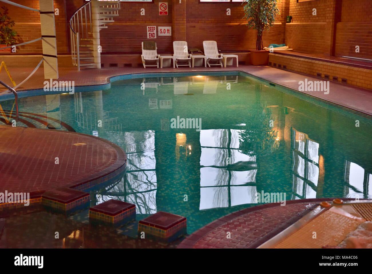 Swimming pool uk stock photos swimming pool uk stock images alamy for Chlorine free swimming pool london