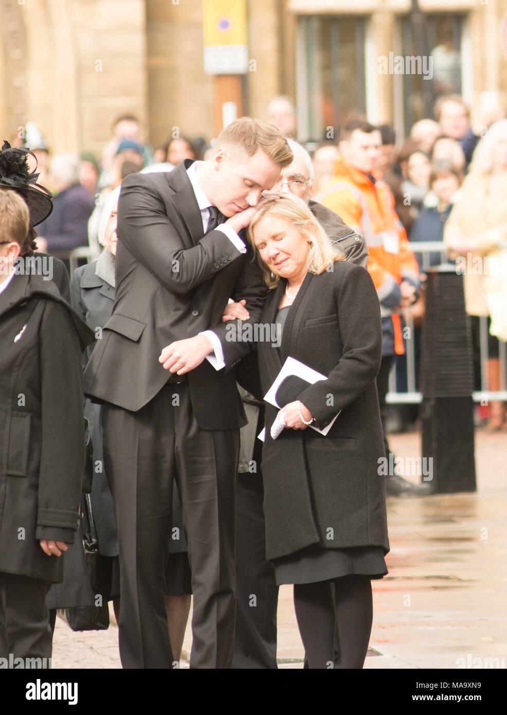 Cambridge, UK, 31 Mar 2018. Prof Stephen Hawking's family bid him farewell from Gt St Marys church Cambridge UK Credit: kevin Hodgson/Alamy Live News - Stock Image