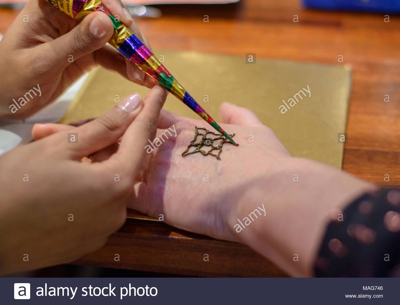 Simple Mehndi Tattoo Hands : A simple henna tattoo stock photo alamy