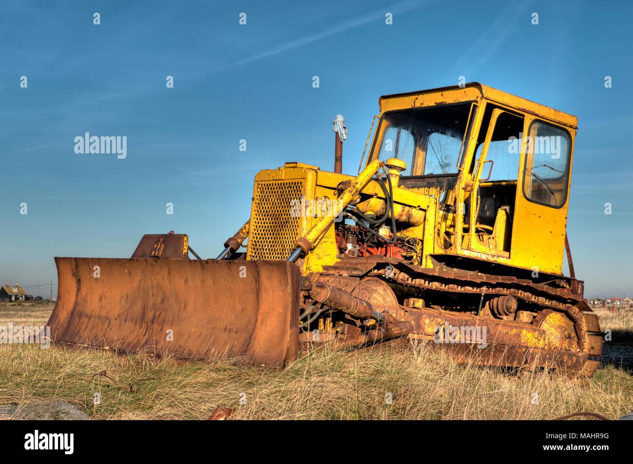 rusty-old-abandoned-bulldozer-MAHR9G.jpg