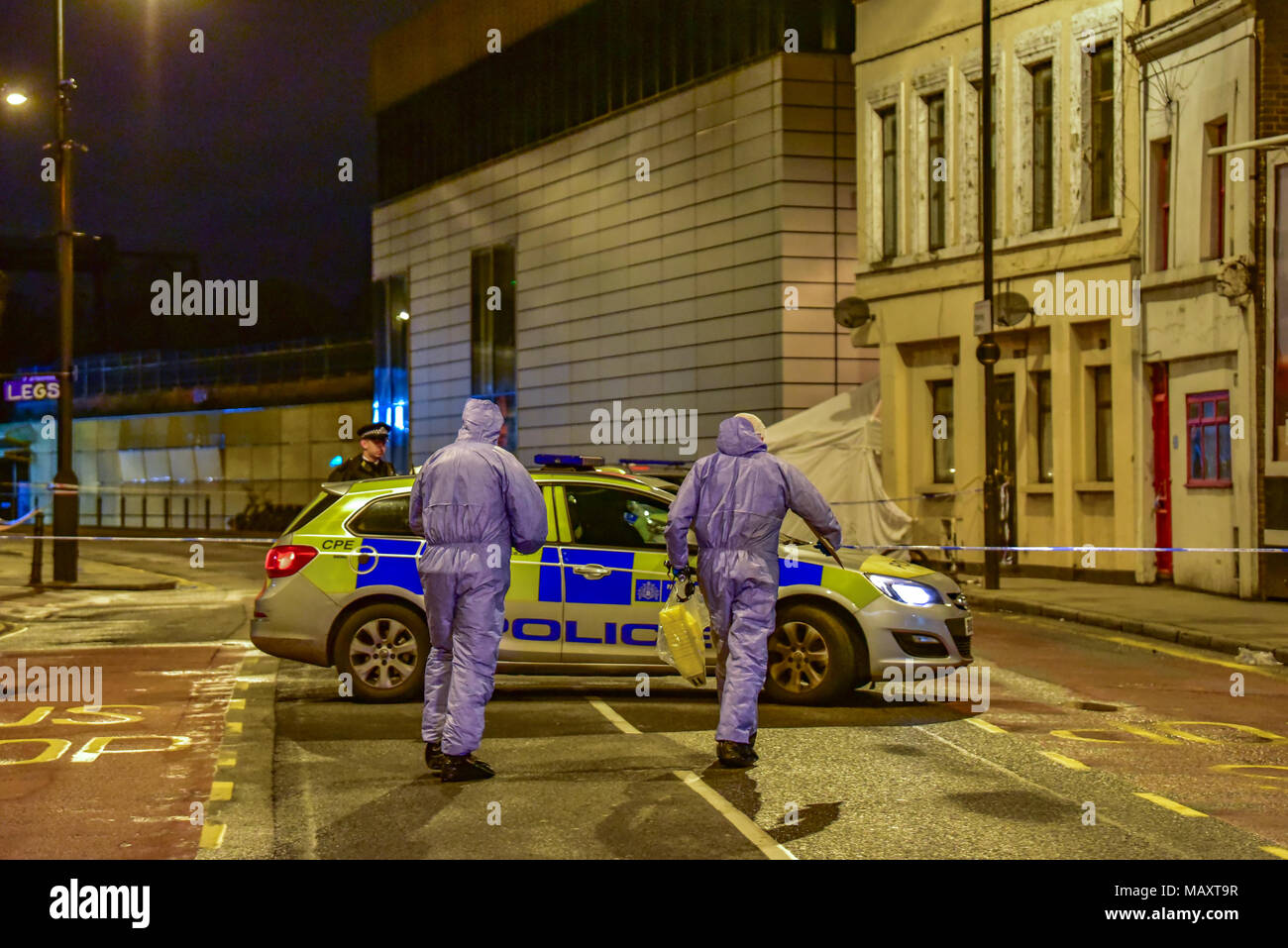 London, United Kingdom. 4 April 2018. A man in his 20's has died after being stabbed in the London suburb of Hackney.  Credit: Peter Manning/Alamy Live News - Stock Image