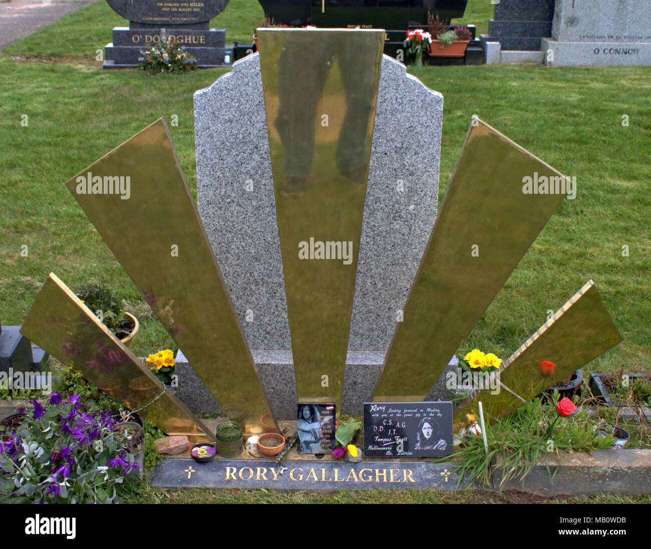 william-rory-gallagher-was-born-on-march-7th-1948-in-ballyshannon-and-died-1995-in-london-buried-in-st-olivers-cemetery-ballincollig-ireland-MB0WDB.jpg