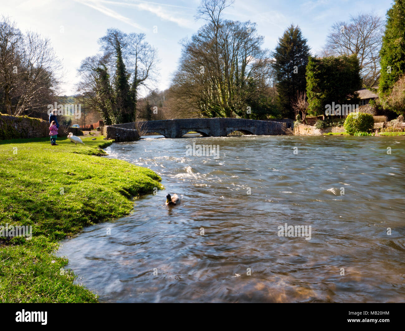 Peak District National Park. 5th Apr, 2018. UK Weather: visitors enjoying the glorious sunshine on Thursday after the wet Easter Bank Holiday break at Ashford on the Water, near Bakewell in the Peak District National Park Credit: Doug Blane/Alamy Live News - Stock Image