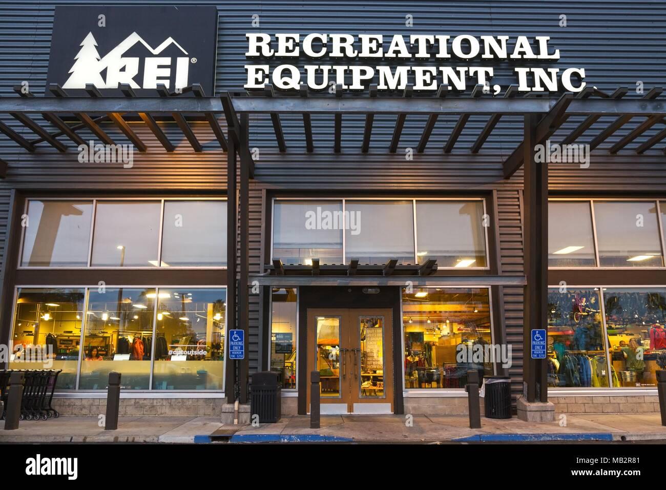 recreational-equipment-inc-rei-building-