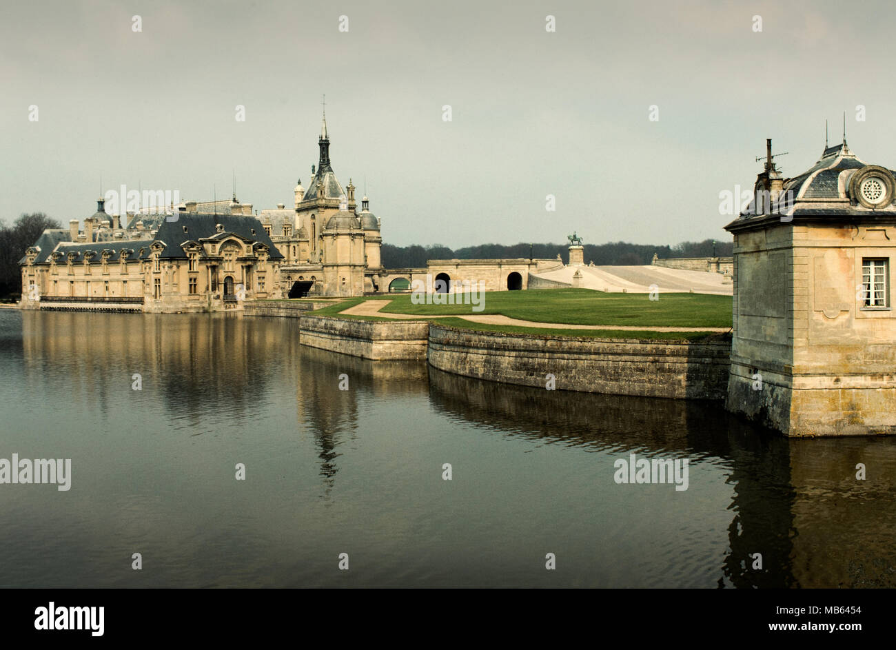 2000 The Chteau De Chantilly Is A Historic Located In Town Of France About 50 Kilometers 30 Miles North Paris