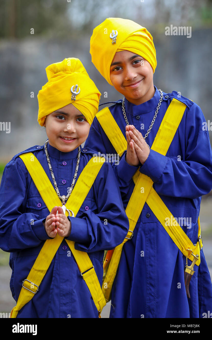 Glasgow, UK. 8th April, 2018. Thousands of Sikhs from across Scotland met in Glasgow to parade in the traditional festival of Vaisakhi when committed Sikhs, male and female, celebrate Khaldsa. Credit: Findlay/Alamy Live News - Stock Image