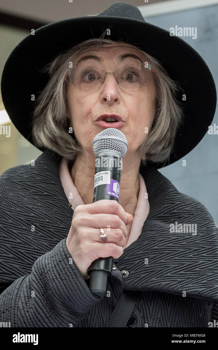 London, UK. 8th April, 2018. Actress Maureen Lipman speaks outside Labour Party HQ to hundreds of protesters including members of the British Jewish community who gathered outside The Labour Party's headquarters on Victoria Street to campaign against antisemitism in the party Credit: Guy Corbishley/Alamy Live News - Stock Image