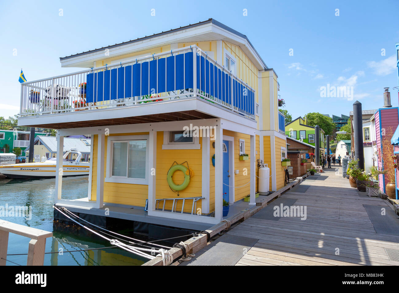 A colourful Float Home in Fisherman's Wharf, Victoria, BC - Stock Image
