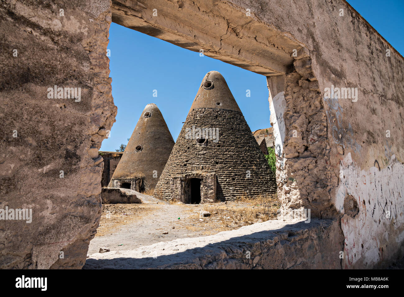 The pyramid shaped granaries of the Hacienda de Jaral de Berrio in Jaral de Berrios, Guanajuato, Mexico. The abandoned Jaral de Berrio hacienda was once the largest in Mexico and housed over 6,000 people on the property and is credited with creating Mescal. - Stock Image