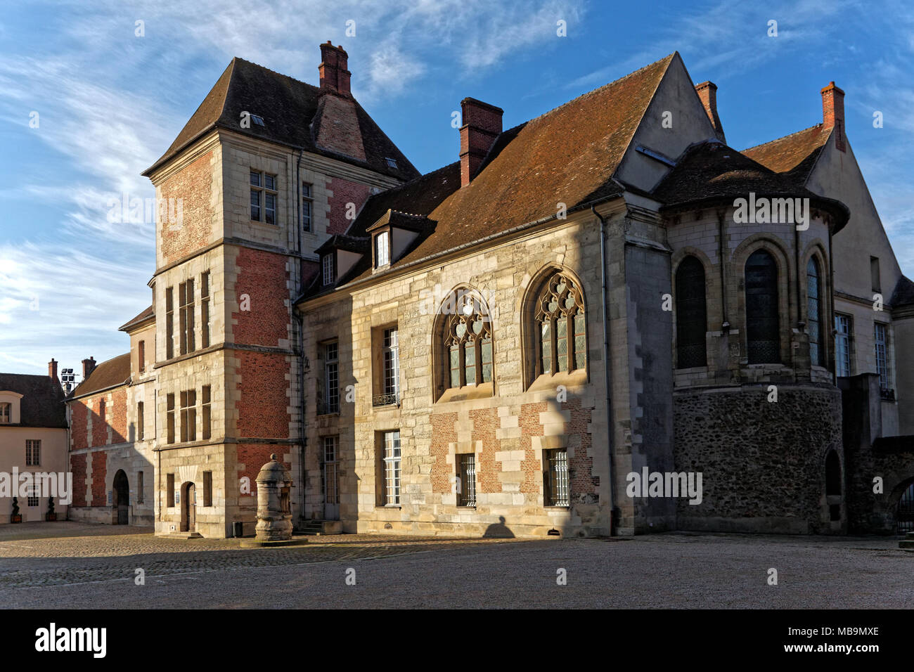The Episcopal Palace, now The Bossuet Museum, Meaux, Seine-et-Marne, Île-de-France, near Paris, France, attached to Cathedrale Saint-Etienne, Meaux - Stock Image