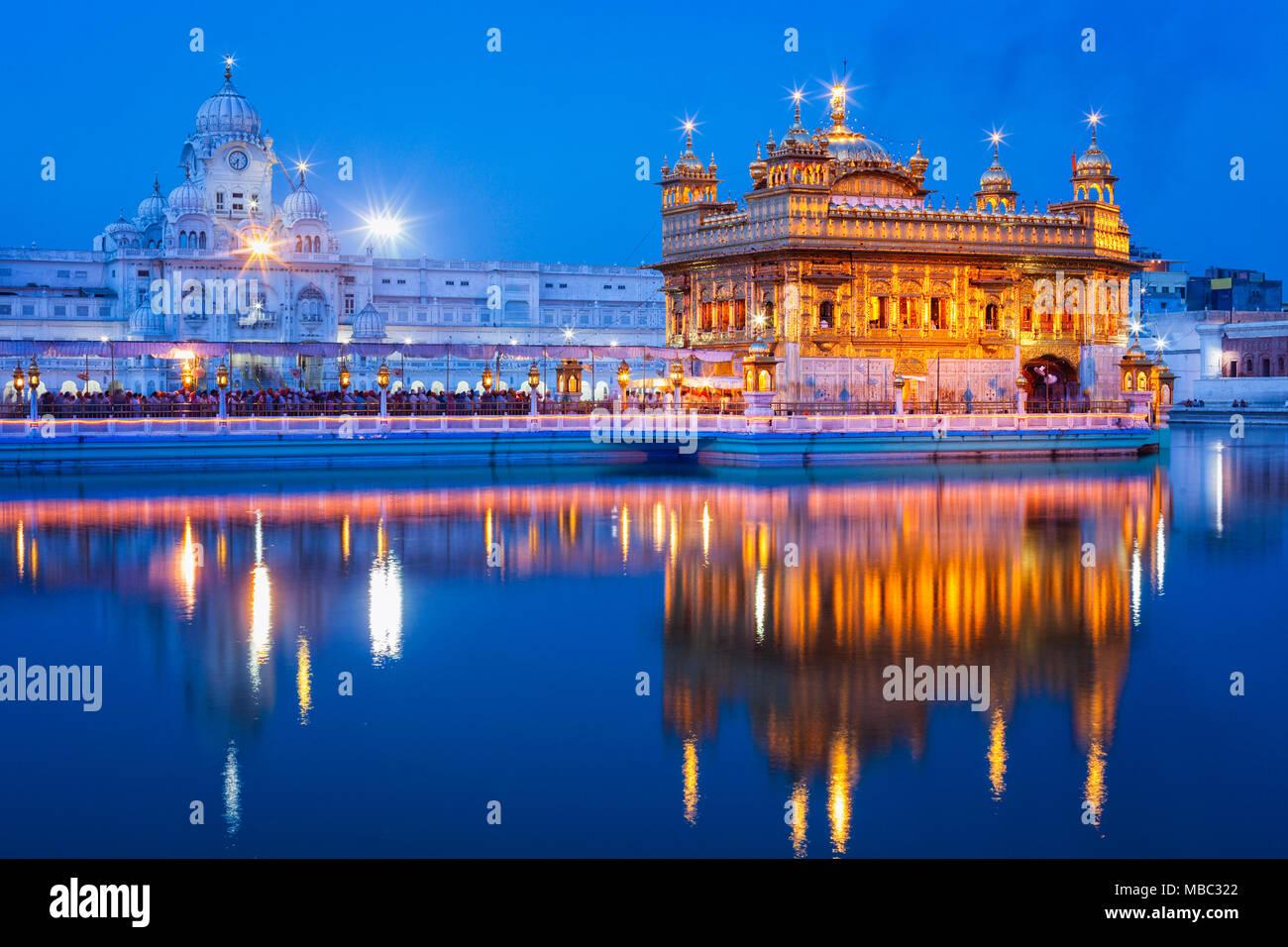 Golden Temple Amritsar Stock Photo 179130730 Alamy