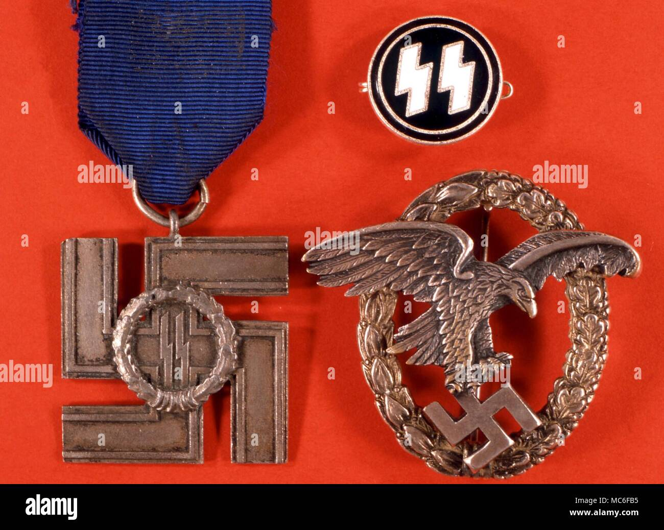 Swastika Swastika In The Talons Of An Eagle Nazi Service Medal