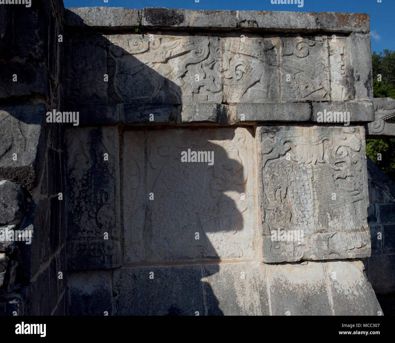 The sun casts the shadow of a snake at the Maya ruins of Chichén Itzá, Yucatán State, Mexico. - Stock Image