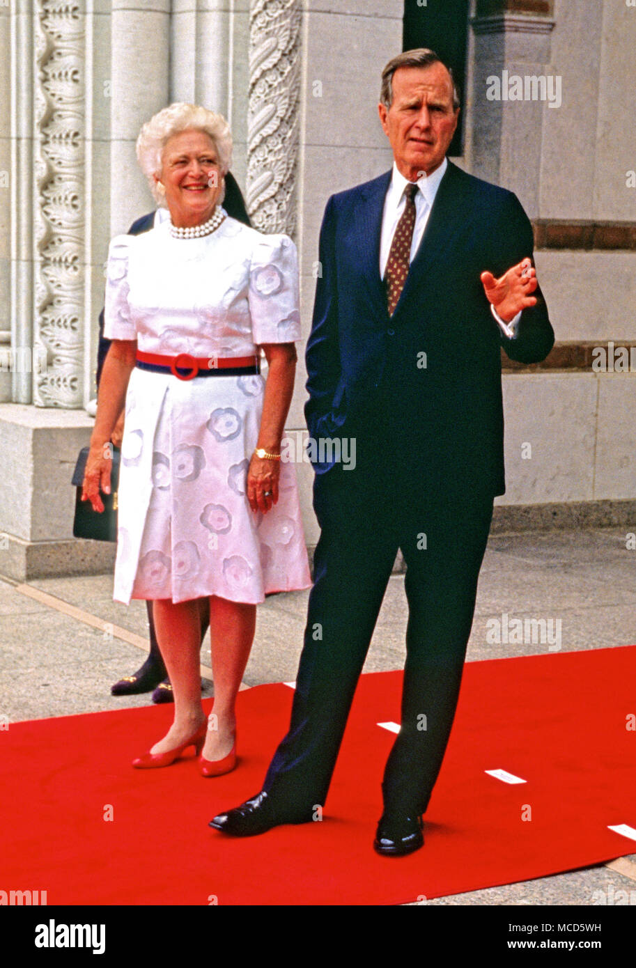 United States President George H W Bush And First Lady Barbara Bush Await The Arrival Of World Leaders To The  Economic Summit Of Industrialized Nation