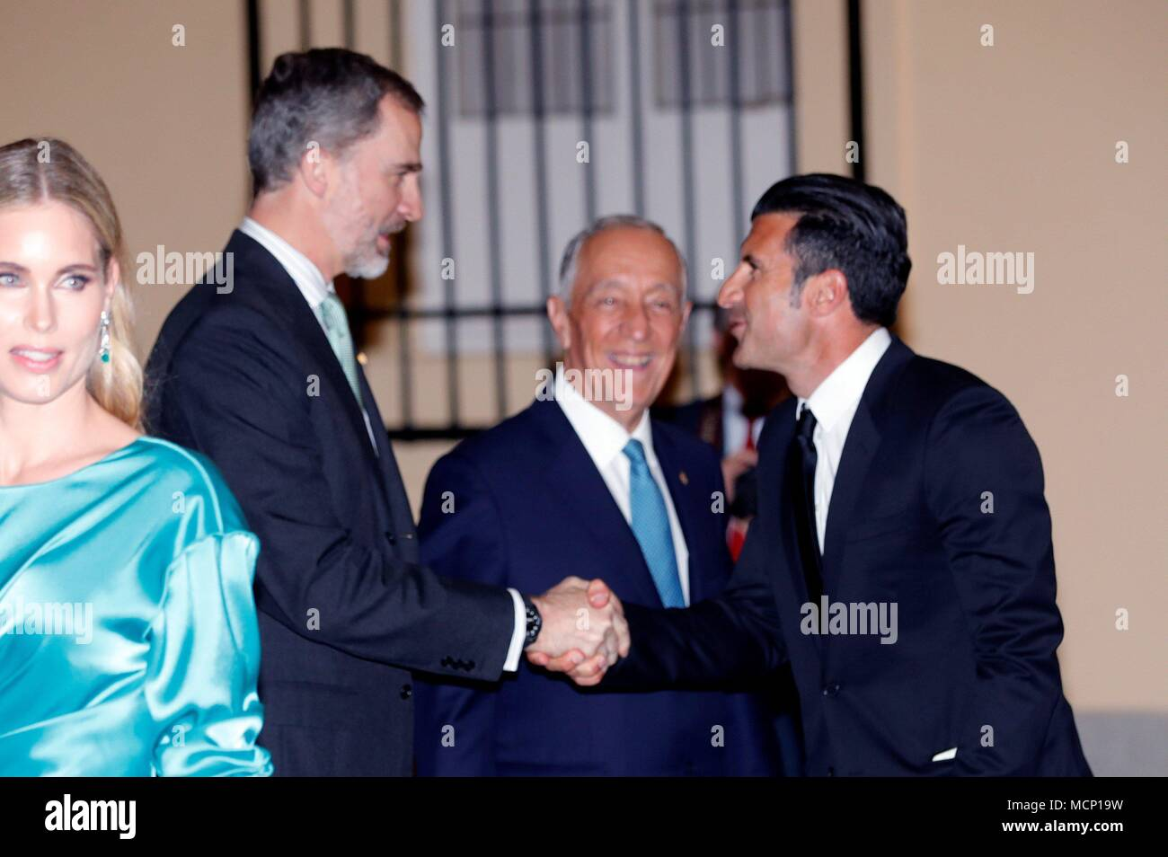 King felipe vi of spain 2l and portuguese president marcelo rebelo king felipe vi of spain 2l and portuguese president marcelo rebelo de sousa 2r greet portuguese former soccer player luis figo r and his wife helen m4hsunfo