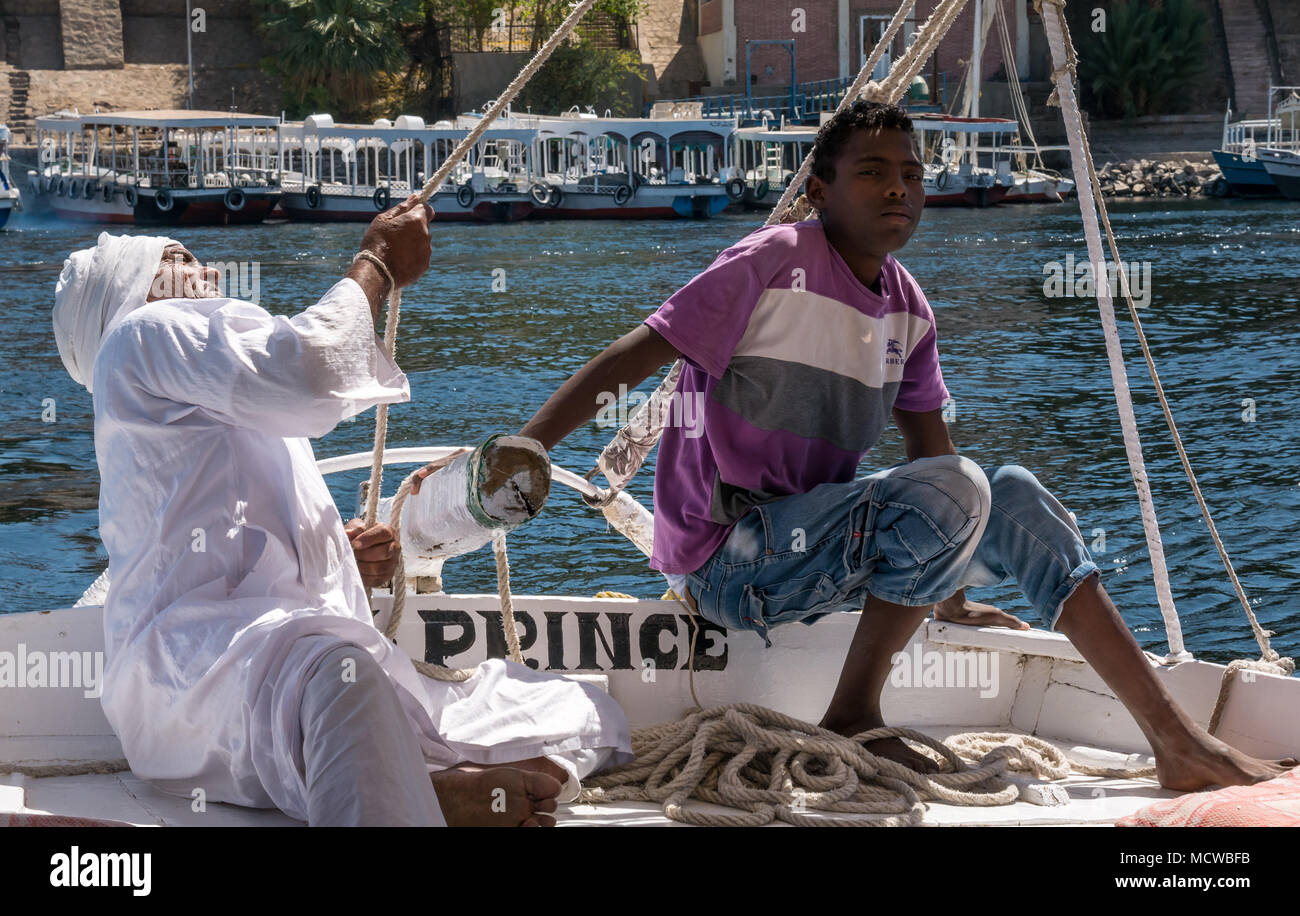 old-egyptian-man-in-white-jellabiya-with