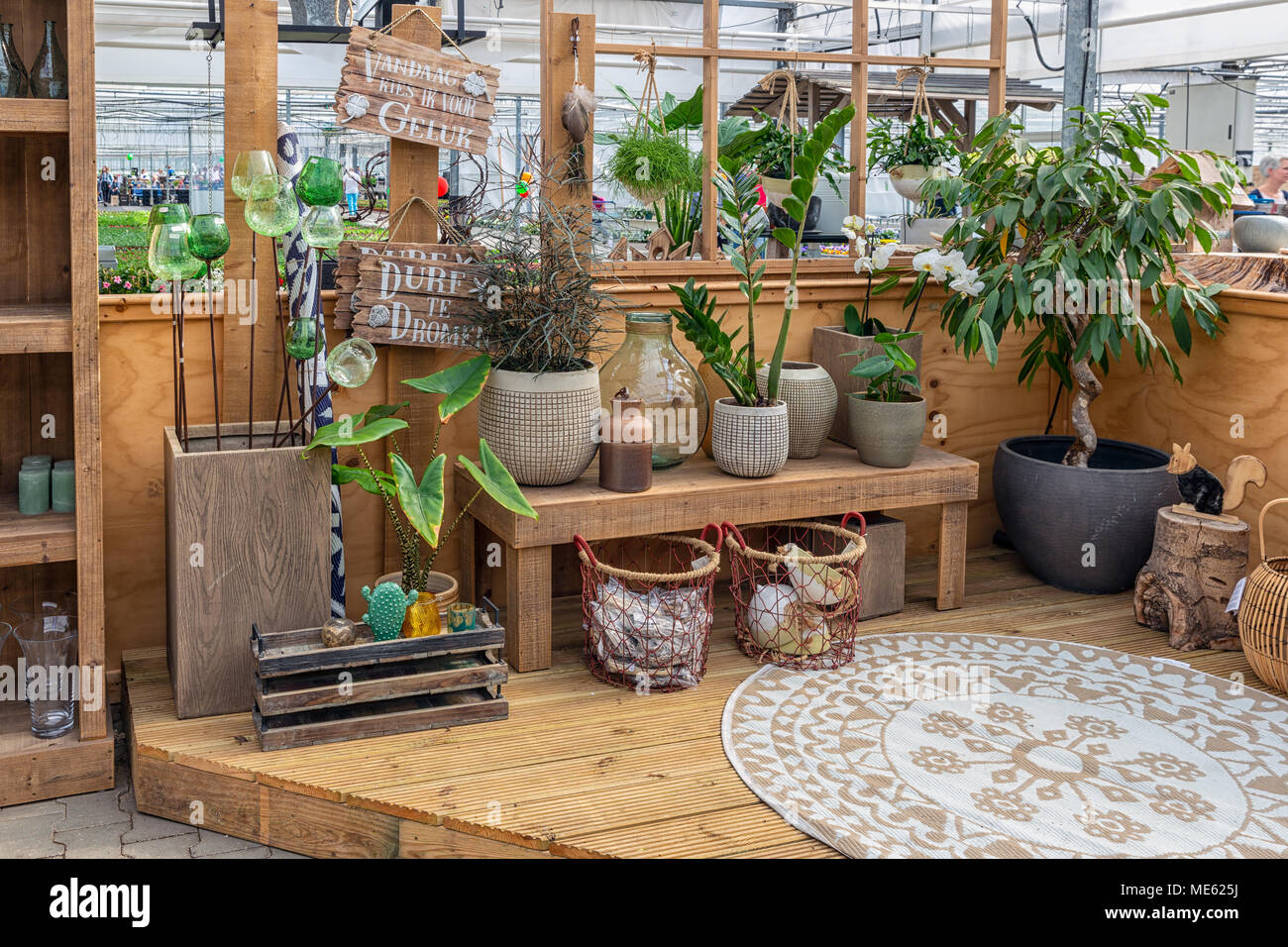 Garden shop selling plants and accessories like flower pots Stock ...