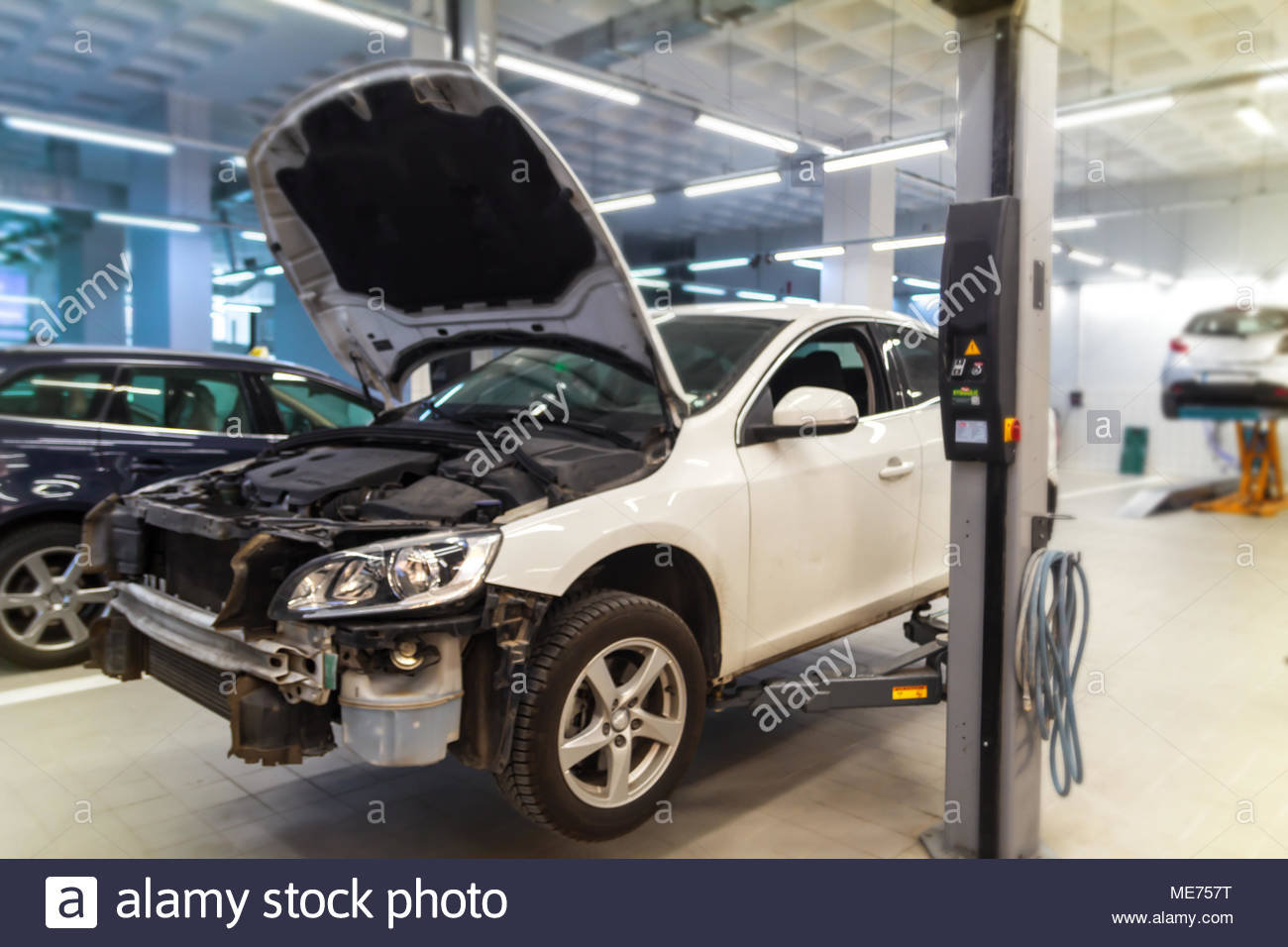 Car Garage And Accident Vehicle Detail Stock Photo Alamy - Show car garage