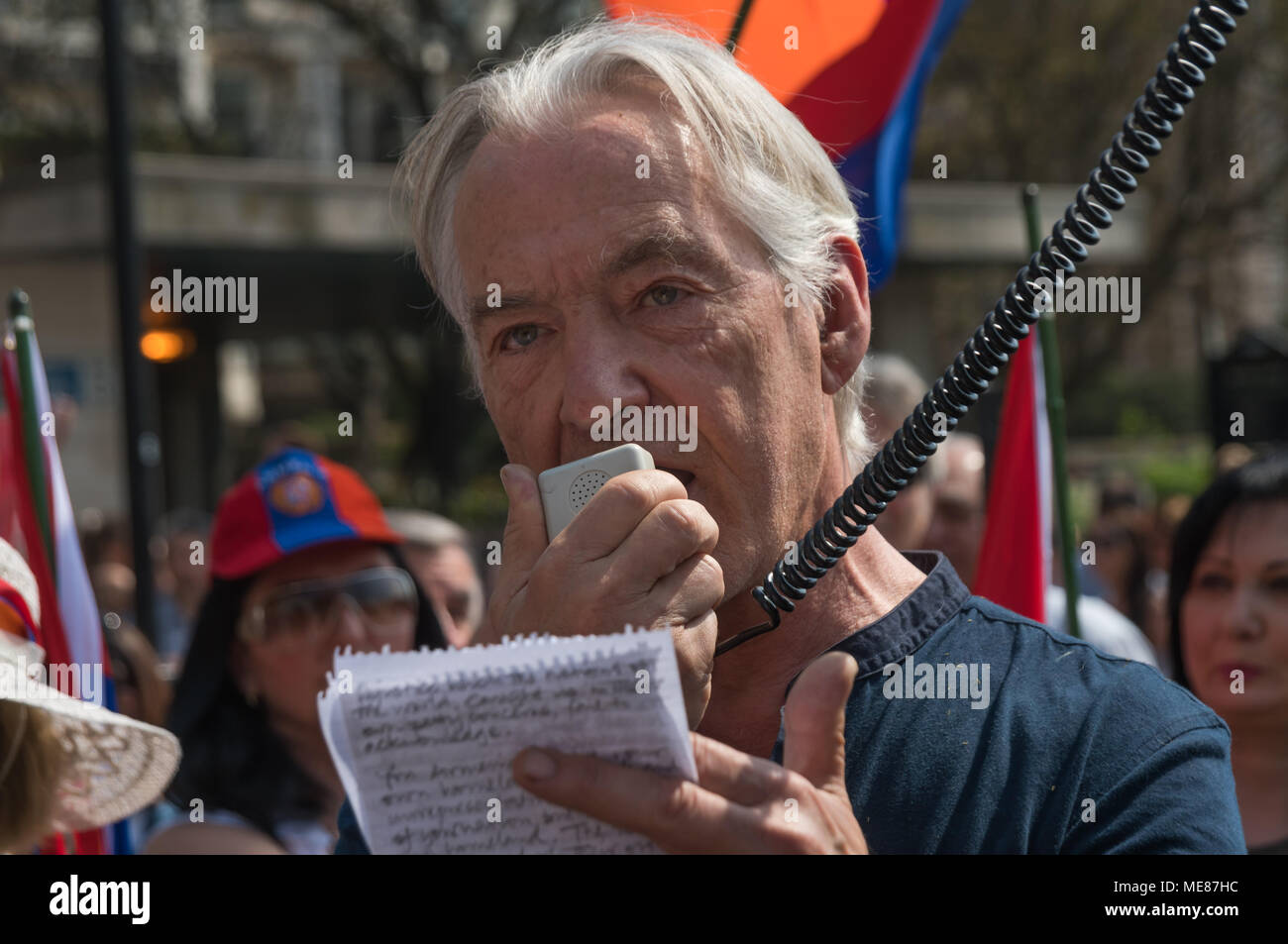 London, UK. 21st April 2018. Dirk Campbell, the father of Anna Campbell, a British volunteer killed fighting for Afrin in the Kurdish YPJ speaks to Armenians meeting to march through London from Marble Arch to the Cenotaph at the start of a series of events commemorating the 103rd anniversary of the beginning of the Armenian Genocide. They demand the UK to follow the lead of many other countries and recognise the Armenian genocide. Credit: Peter Marshall/Alamy Live News - Stock Image