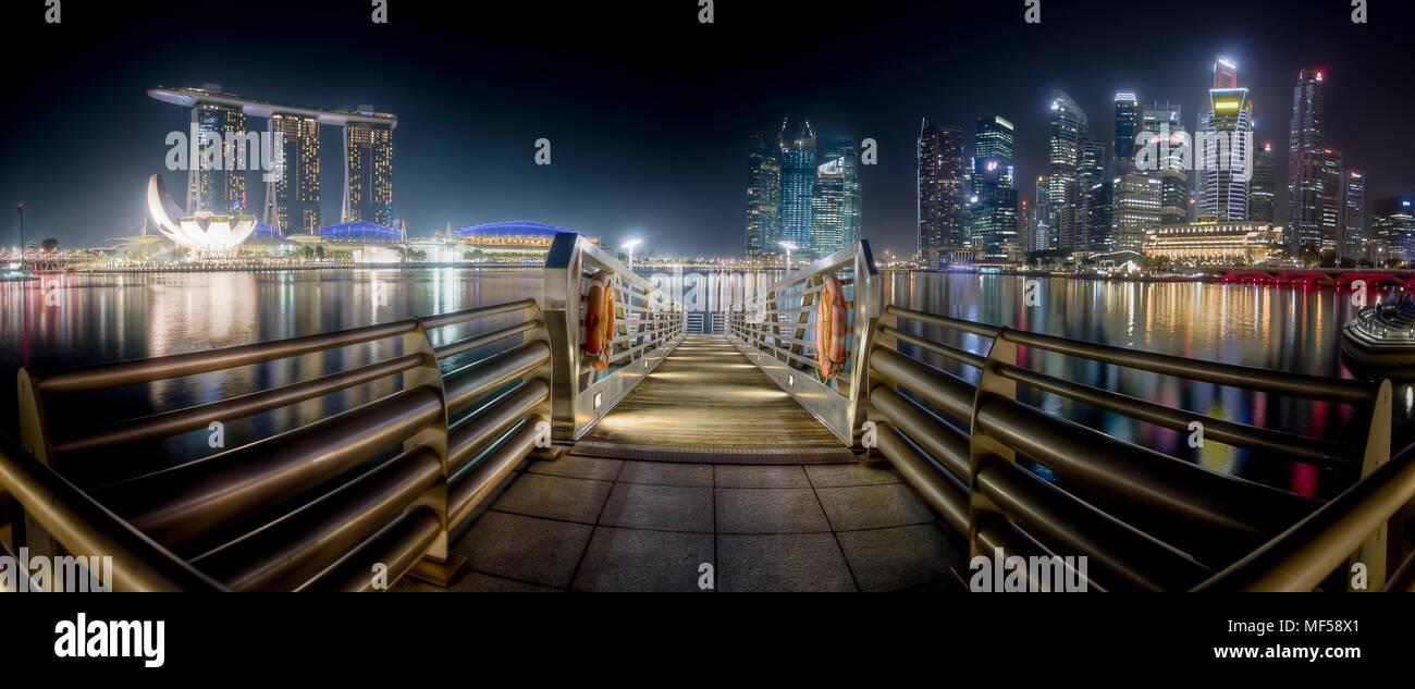 Singapur, skyline at night, mooring area - Stock Image