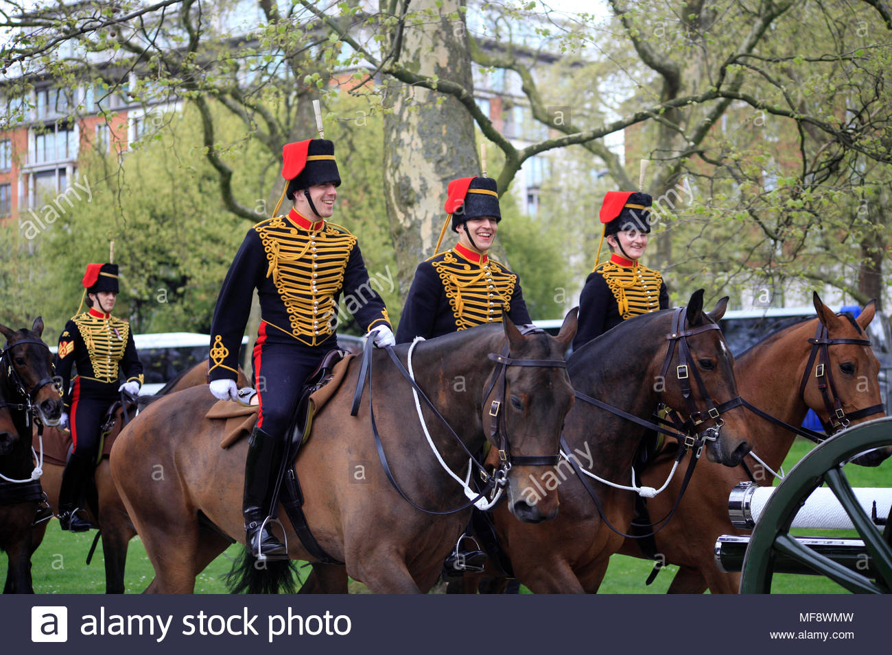 Hyde Park, London. April 24th 2018. The King's troop Royal Horse Artillery and the Honourable Artillery company fire royal salutes in London to welcome the New Royal baby. The Duke and the Duchess of Cambridge's third child.Credit: Patricia Ng'ang'a/Alamy Live News. - Stock Image