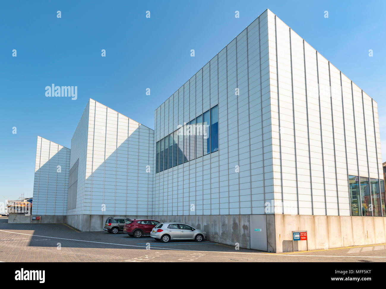 The turner contemporary building which is a major tourist attraction to Margate kent - Stock Image