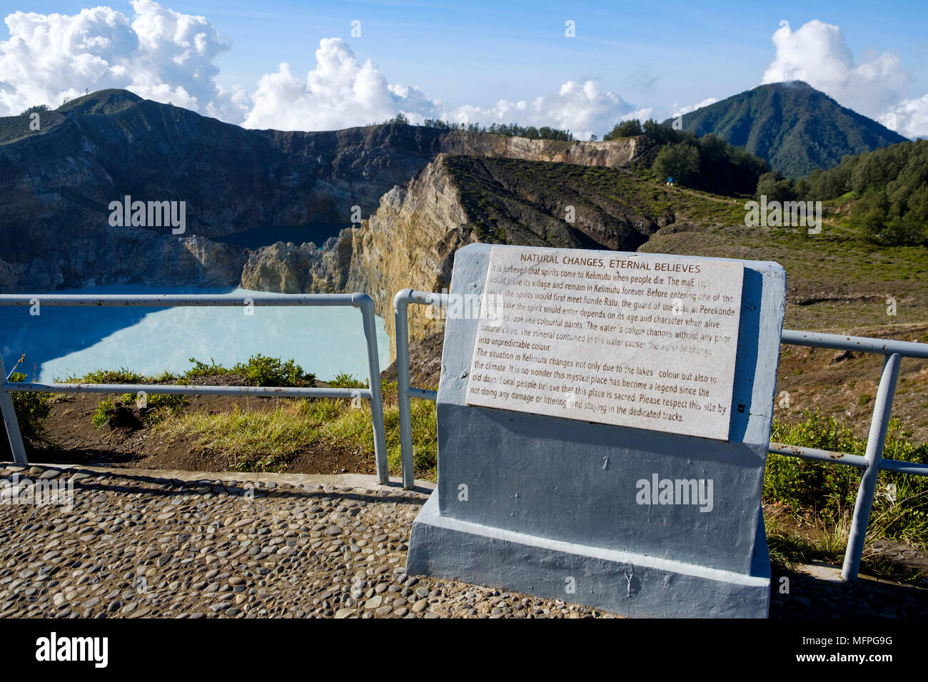 Plaque at viewpoint overlooking the eastern crater lakes at Mount Kelimutu, Ende Regency, Flores Island, Indonesia. - Stock Image