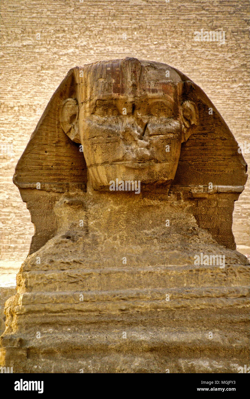 The Sphinx with the stones of the Pyramid of Khafre (Chephren).showing behind.   Egypt, Cairo, Giza - Stock Image