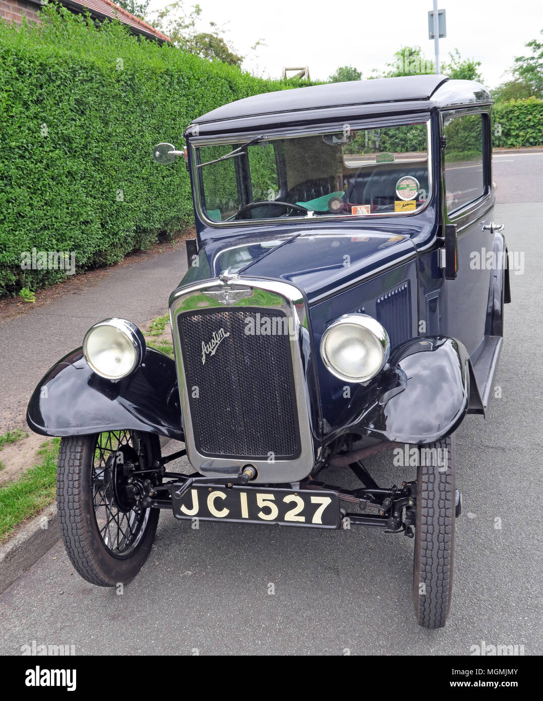 GoTonySmith,automobile,vehicle,classic,saloon,on,the,road,parked,JC 1527,petrol,engine,1922,Economy Car,Economy,history,historic,Great,British,UK,GB,United Kingdom,manufacturing,made,produced,Rosengarts,2 door,Great Britain,Sir Herbert Austin,Herbert Austin,Small car,smaller car,Horsepower tax,Austin factory,Longbridge,factory,carplant,car plant,plant,Jeremy Corbyn