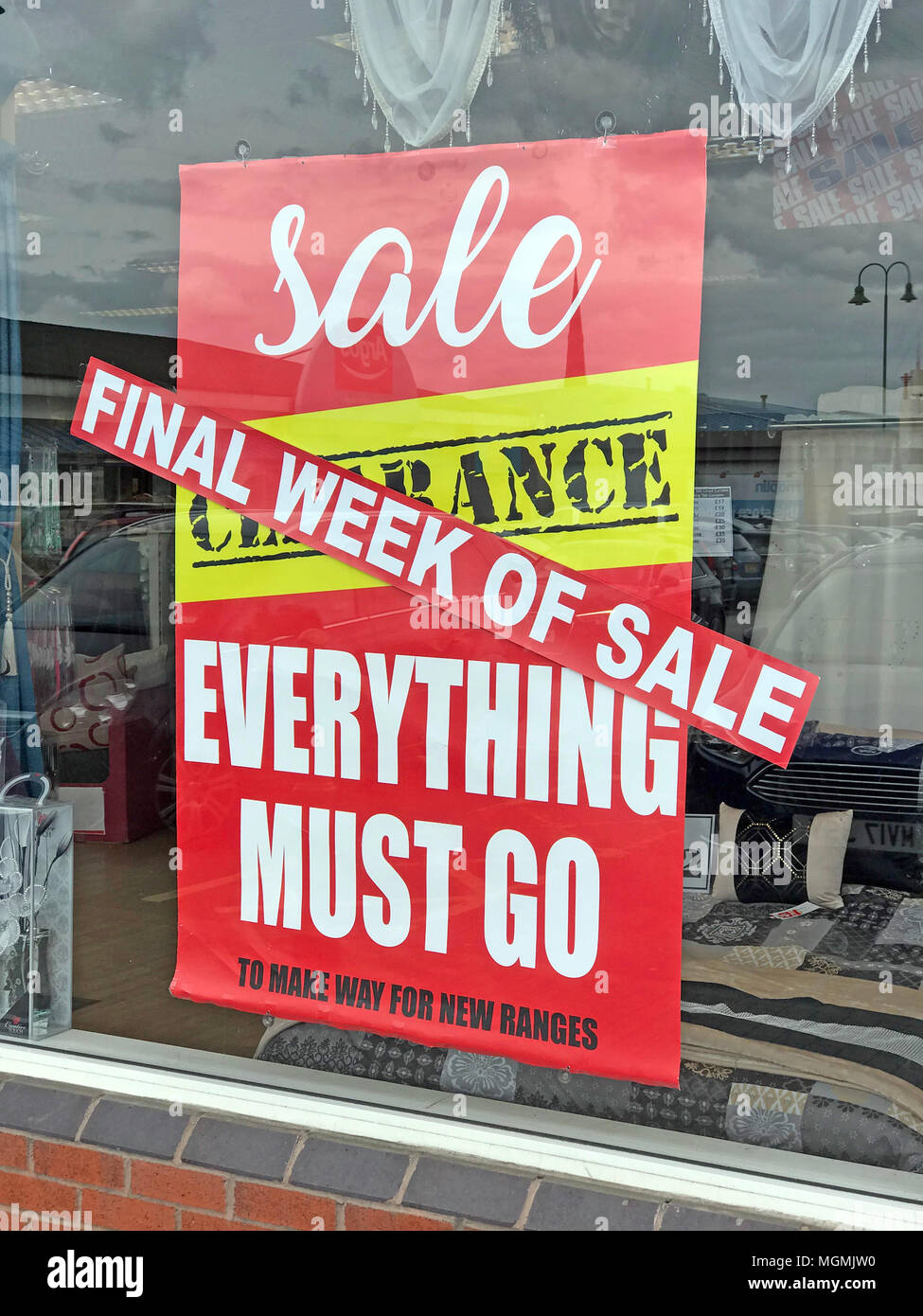 GoTonySmith,High Street,high,street,retail,store,shop,clearance,sale,Final,Clearance Sale,in,Window,bargain,Cheshire,England,retailing,problems,difficulty,difficulties,stores,struggling,buy,Clear,advert,soft furnishings,low demand,recession,footfall,low,poor,results,final week,trading,difficult trading,internet competition,competition,glass,reflection,red