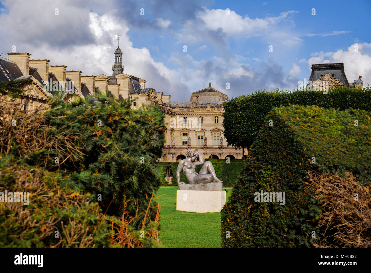 louvre palace and tuileries garden - Tuileries Garden