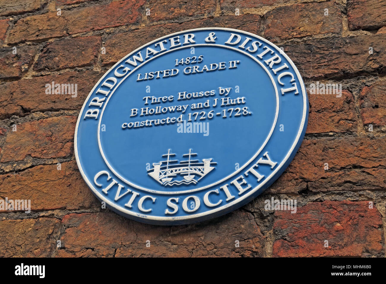 SDC,and,District,Civic,Society,blue,plaque,By,Holloway and Hutt,North Somerset,England,UK,GB,Gotonysmith,constructed,1726-1728,three Houses,Bridgwater & District,Bridgewater,wall,brick,chandos St,Chandos,street,home,homes,buildings,cottage,cottages,history,historic,built,3 houses,3 homes,levels,Somerset Levels,Brigg,Brigg-Walter